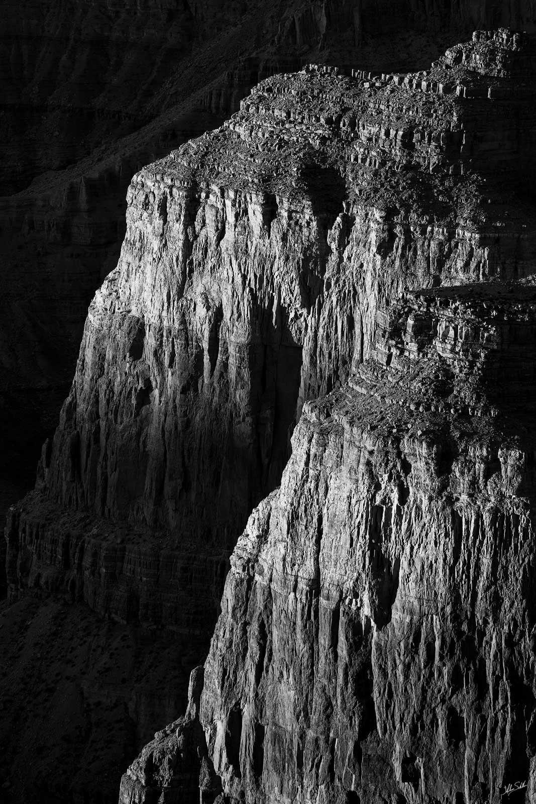 Fading light on the cliffs of the Palisades of the Desert. Near the Watchtower at Desert View on the South Rim of Grand Canyon...
